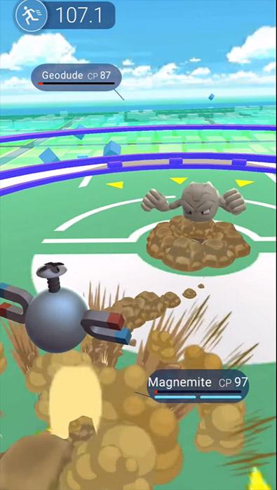 Un combat d'arène dans Pokémon GO