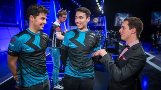 xPeke et PowerOfEvil se partageaient le poste de midlaner en début de saison 6 - League of Legends