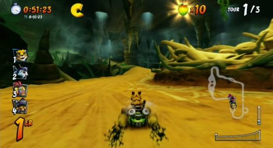 Le pont sur la gauche qui nécessite une certaine vitesse pour l'atteindre. - Crash Team Racing Nitro Fueled