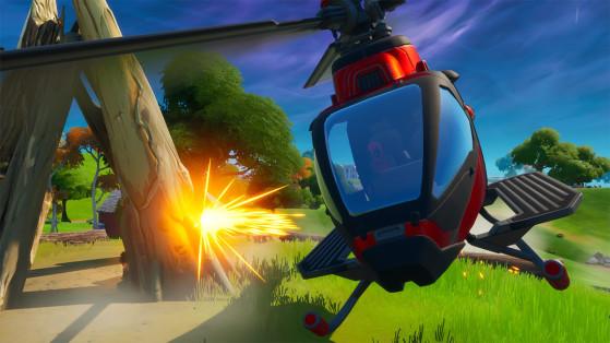 Fortnite : Voler avec le Choppa sous les ponts en acier violet, rouge et bleu, défi Aventure de Skye