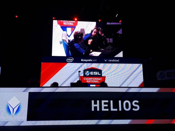 Les Helios en pleine concertation - Hearthstone