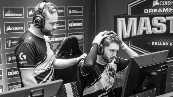 Instant « hello darkness, my old friend  » - Counter Strike : Global Offensive