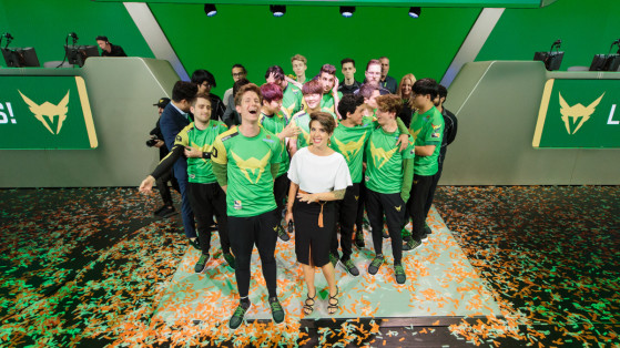 Overwatch League 2019, OWL19 : Départ head coach Moon, Los Angeles Valiant