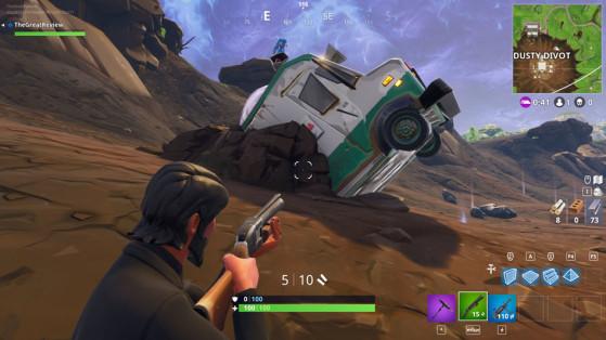 Bonus : Dans le camion de glace à l'est du cratère. Détruisez le camion avec un fort de poche. - Fortnite : Battle royale