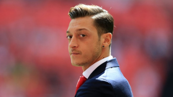FIFA : Mesut Özil lance son équipe esport