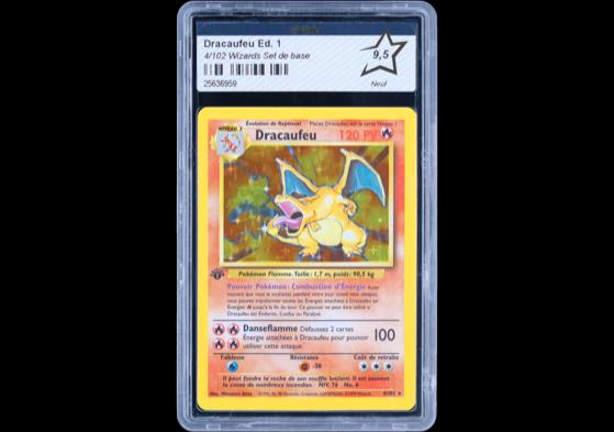 Cette carte de Dracaufeu n'est pas celle qui a été vendue mais elle est tout de même notée 9,5 par PCA ! - Pokemon