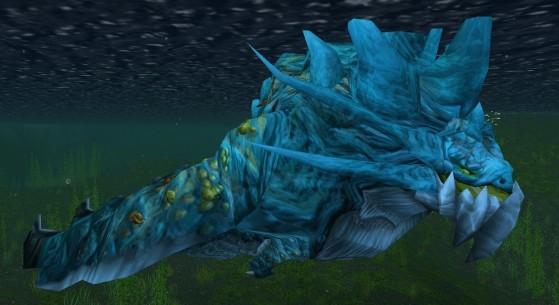 Est-ce que mon skin est une adaptation grossière de celui des Nagas ? Peut-être. Mais contrairement à Nessie, moi, j'existe pour de vrai dans WoW ! - World of Warcraft