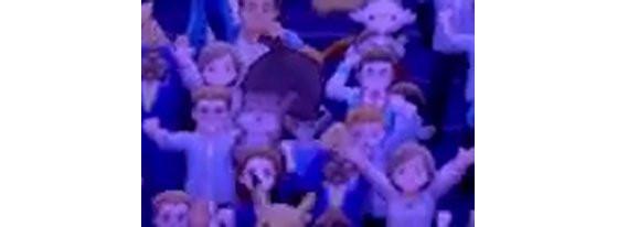 Un écureuil brun est visible, au milieu de la foule. - Pokémon Épée et Bouclier