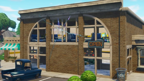 ... et celui du magasin de Retail Row - Fortnite : Battle royale