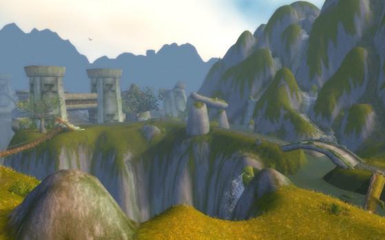 Le Viaduc de Thandol, construit, détruit, re-construit, re-détruit, et finalement utilisé par tout le monde parce que c'est le seul moyen d'accès par le sud. - World of Warcraft