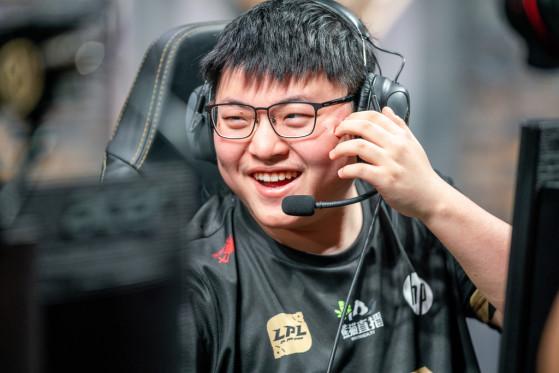 Uzi vient chercher son premier titre de champion du monde - League of Legends