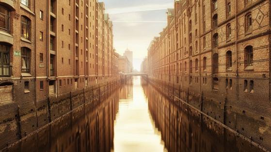 Grande ville portuaire allemande, Hambourg est aussi un petit joyaux touristique et culturel. - Pokemon