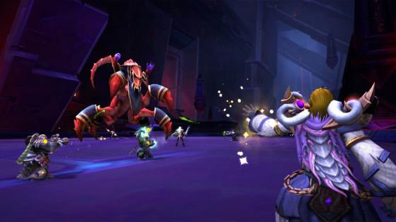 Le combat contre le Prophète Skitra, l'un des boss du raid sur Ny'alotha, la cité en éveil - World of Warcraft