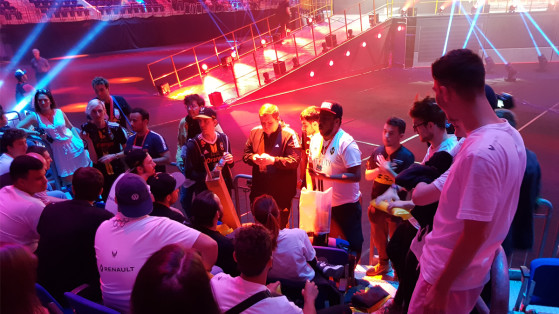 Les Golden Hornets, en première ligne pour supporter l'équipe CS:GO de Team Vitality face à AVANGAR - Millenium