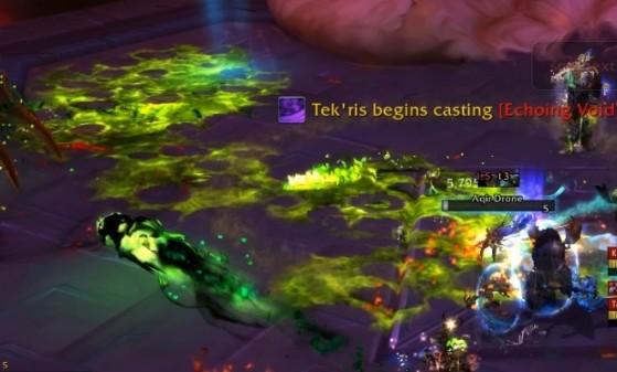 En Mode Héroïque, les Bourdons aqir laissent une flaque d'acide à leur mort - World of Warcraft
